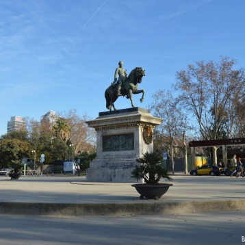 Estatua equestre del General Prim